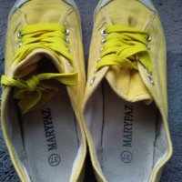 Bambas amarillas