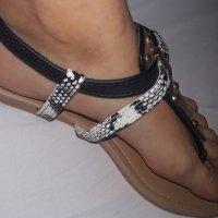 Mis sandalias de mi para ti. Mia…