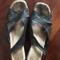 Sandali usati e usurati